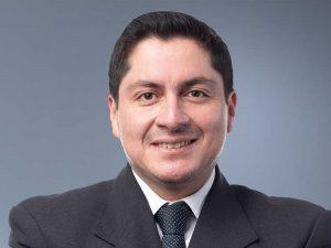 Dr. Víctor Pinos